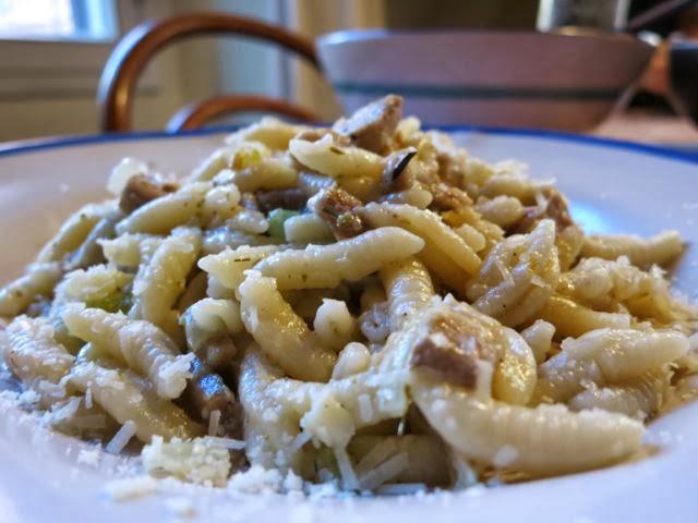 pasta + leftover porchetta {or turkey} www.ElizabethMinchilliInRome.com
