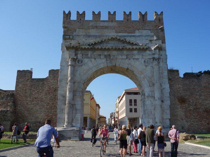 The Arch of Augustus, Rimini, http://www.elizabethminchilli.com/